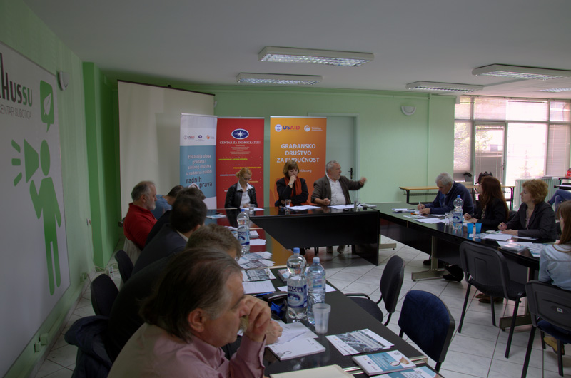 """Public debate """"Do we work with dignity"""" in Subotica"""